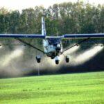 Внесення гербіцидів дельтапланами та надлегкими літаками